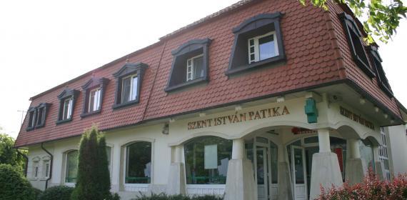 Szent István Egészségház és Patika